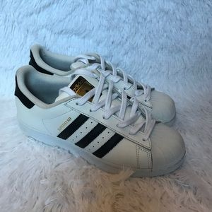 Adidas superstar 6y